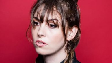 "Emma Ruth Rundle premieres soaring new single ""Darkhorse"", taken from her upcoming album On Dark Horses"
