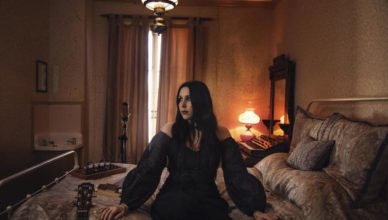 "Chelsea Wolfe reveals new single + video ""Be All Things"" from the new album Birth Of Violence"
